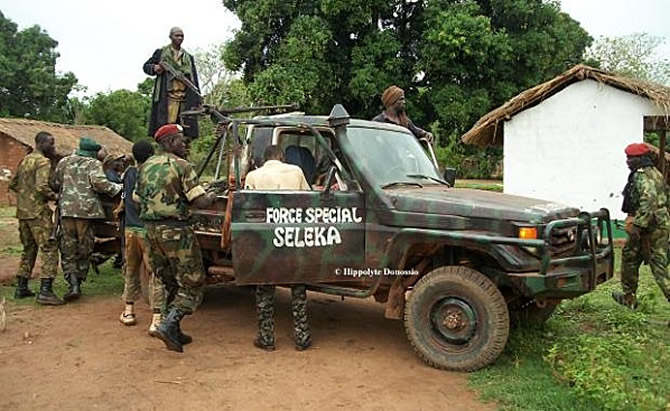 http://www.cameroun24.net/images/news/seleka-sur-la-route-de-sibut670.jpg